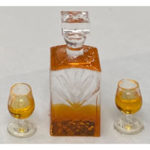 JWT120-Crystal-Decanter-with-Two-Glasses